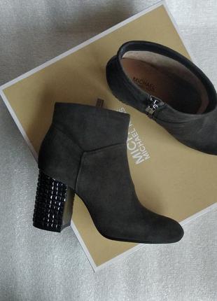 Демисезонные замшевые ботинки michael kors оригинал!!!!