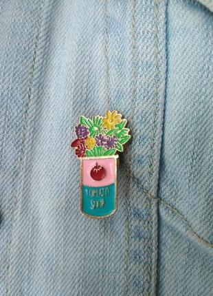 Значок, пин, брошь на одежду букет цветы
