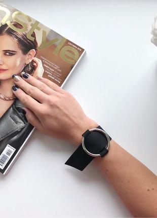Широкий женский браслет на руку с крупным кольцом