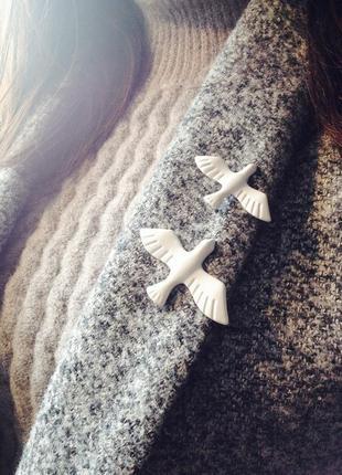 Брошь на одежду, брошка пара голубей, значок