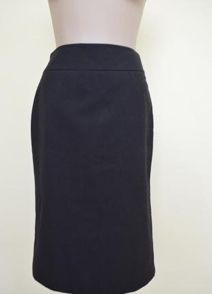 Красивая классическая черная юбка