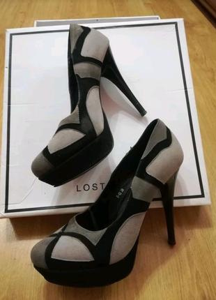 Туфли на шпильке серые с черным