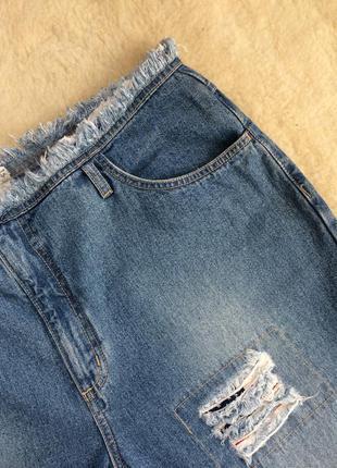 Sale джинсы на высокой посадке с патчами