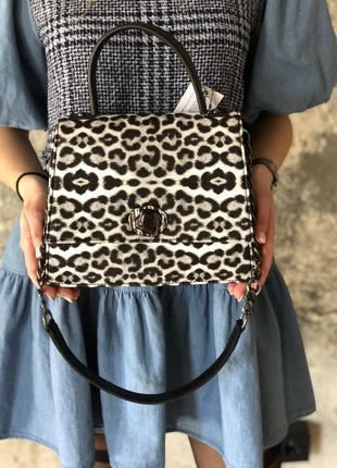 Женская сумочка на два отделения с цепочкой черно-белая