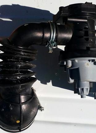 Насос (помпу) в сборе с корпусом стиральной машины INDESIT