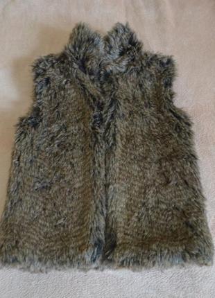 Классная теплая безрукавка жилетка меховая для девочки двухсто...
