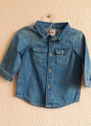 Джинсовая рубашка на мальчика 4-6 месяцев h&m