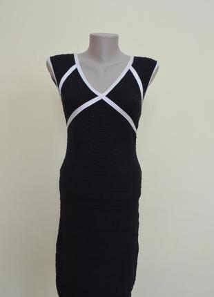 Стильное трикотажное итальянское платье
