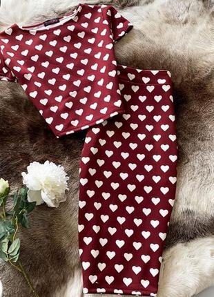 Трикотажный костюм в сердечки