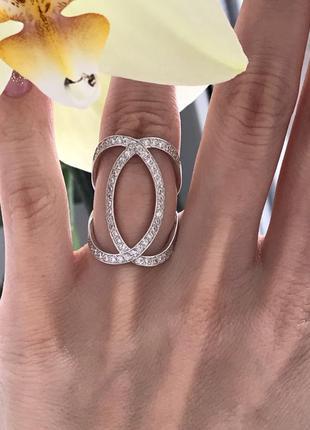 Кольцо изысканное с камнями