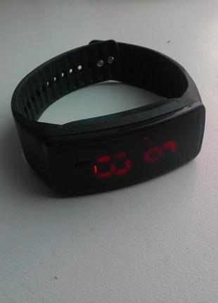 Годинник-браслет спортивний led (часы) unisex