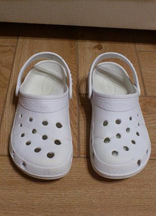 Кроксы женские белые crocs sahara сабо слипоны шлепанцы босоно...
