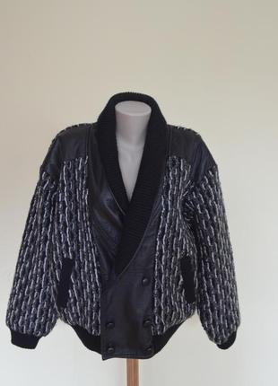 Шикарная трикотажная курточка с вставками из натуральной кожи