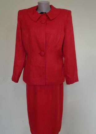 Шикарный брендовый элегантный костюм красного цвета,состояние ...