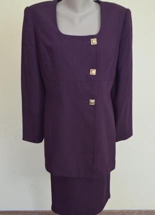 Шикарный элегантный костюм фиолетового цвета ,размер 14