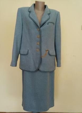 Шикарный нарядный  английский костюм в стиле шанель шерсть