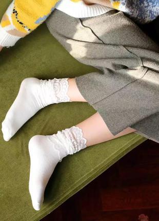 Трендовые комбинированные кружевные носочки/белые/молочные/нов...
