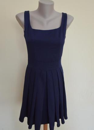 Очень шикарное английское платье в складочку,новое
