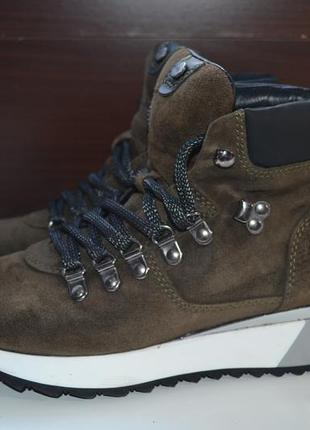 Via vai сникерсы ботинки кожаные на танкетке ботильоны