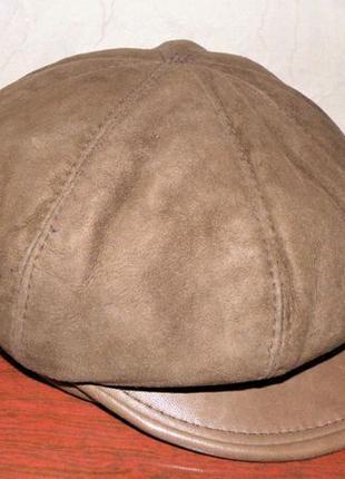 Женская зимняя шапка, кепка, кепи.