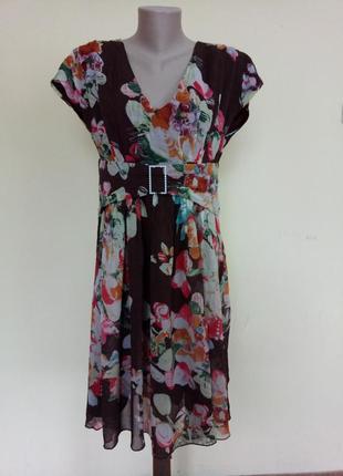 Красивое легкое платье в цветы