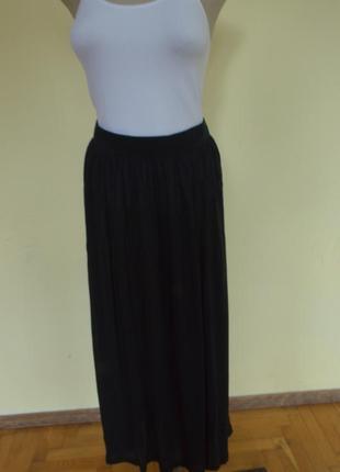 Красивая трикотажная юбка из вискозы черная новая
