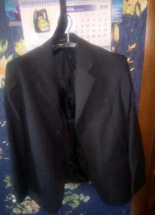 Школьный костюм на мальчика 10 лет в отличном состоянии!
