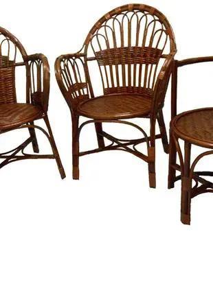 Плетеное из лозы кресло