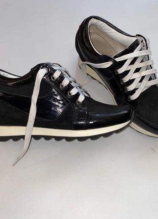 Женские ботинки на платформе танкетка 24 см