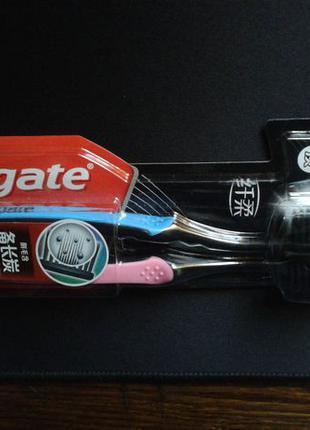 Зубные щетки Colgate Шелковые нити с древесным углем мягкая 2шт