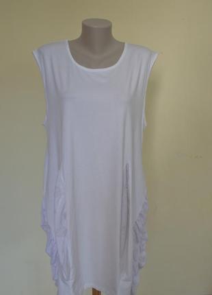 Шикарное трикотажное платье из котона белое свободного фасона