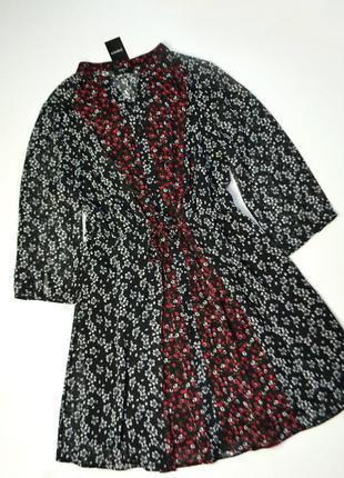 Актуальное шифоновое платье в цветы