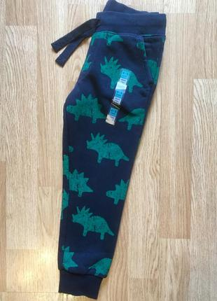 Штаны на флисе, джоггеры для мальчика marks&spenser, р. 4-5 ле...