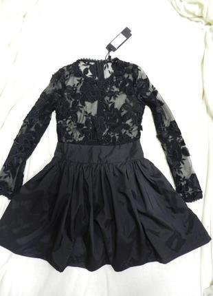 Платье гипюр с пышной юбкой