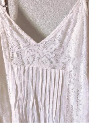 Белое молочное платье hollister с открытой спиной
