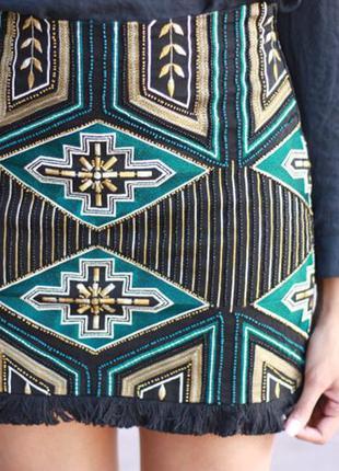Юбка с геометрическим орнаментом из бисера