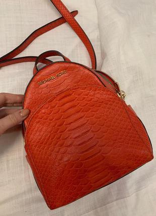 Оранжевый рюкзак michael kors оригинал
