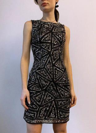 Шикарное вечернее миди платье с вышивкой бисером tfnc london
