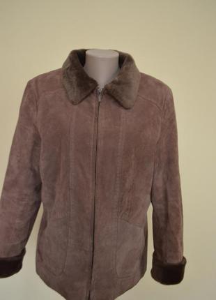 Теплая замшевая курточка на синтепоне
