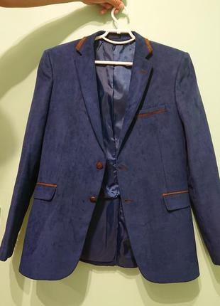 Стильний чоловічий піджак