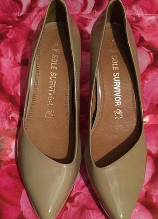 Туфли классические лаковые кожа от next 39 размер