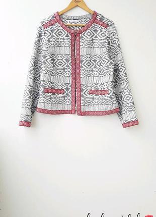 Стильный пиджак с вышивкой батал большой размер
