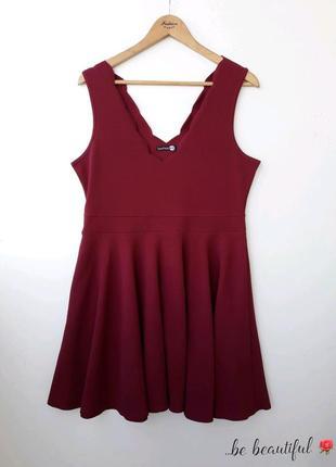 Прелесное платье с красивым декольте 2xl 16 р бордовое платье