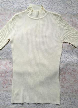 Гольф водолазка свитерок с коротким рукавом цвета ванили