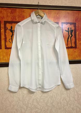 Белая базовая блуза рубашка с красивым воротником oodji