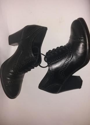 Туфли оксфорды на шнуровке 38,5р