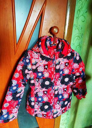 Демисезонная куртка на девочку 9-10 лет