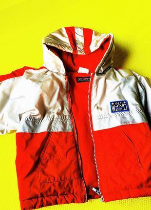 Куртка деми на флисе серебристо-красного цвета на 1-2 года
