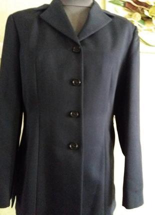 Жакет sisley 16р темно-синего цвета, классный крой.классика.