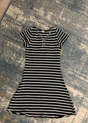Платье в рубчик lindex на 10-12 лет, новое!